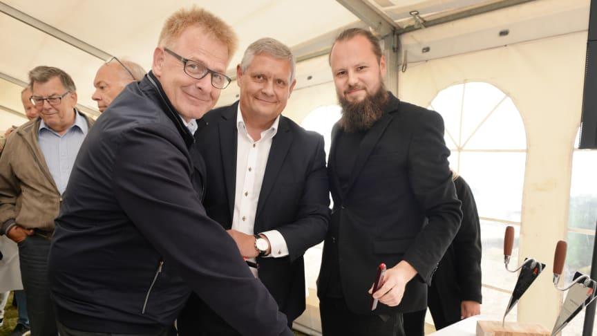 Horsens' borgmester var med til at fejre en vigtig milepæl på Havnefronten, da der blev afholdt kombineret rejsegilde og grunddokumentindmuring idag