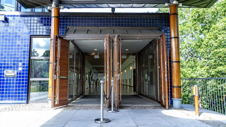 Gävle Konserthus öppnar igen! Tisdag 10 augsuti öppnar biljettkassa och kundtjänst på telefon. Måndag 6 september öppnar även Gourmet Blå sin lunchservering.