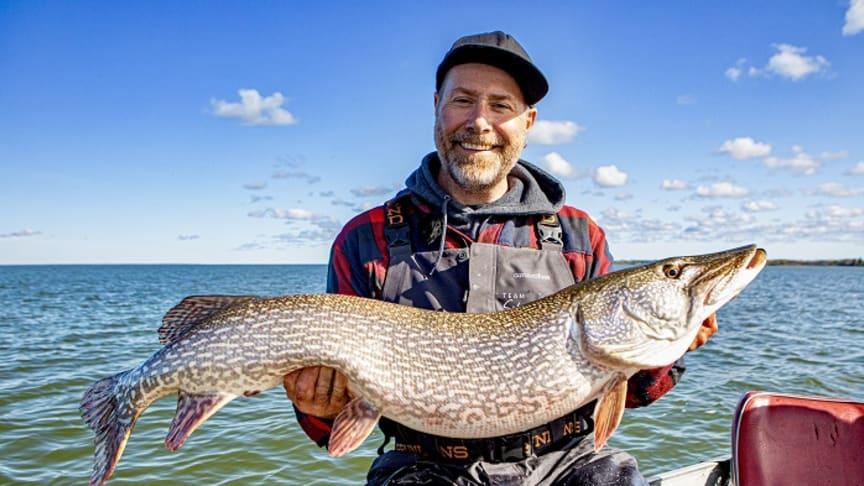 "Claes ""Svartzonker"" Claesson på gäddfiske. Foto Philip Truong"