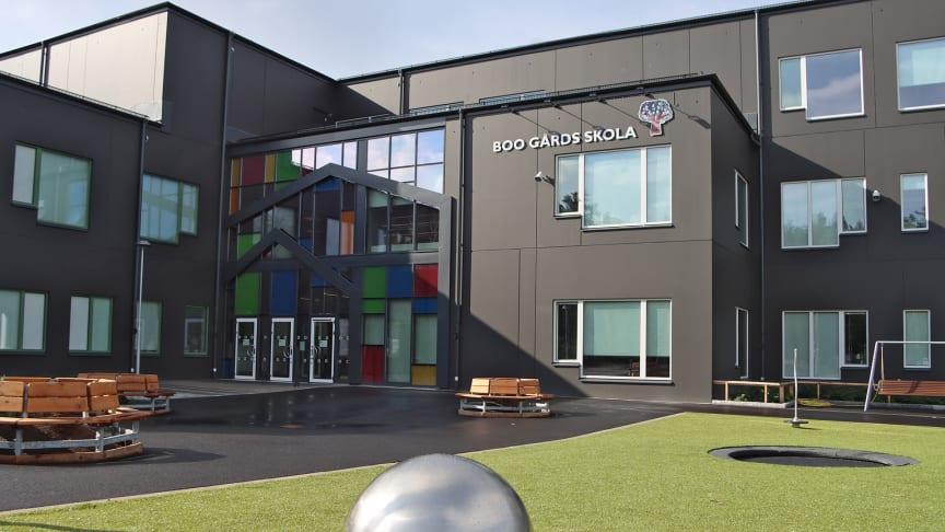 Nybyggda Boo gårds skola rymmer cirka 900 elever från förskoleklass till årskurs nio.