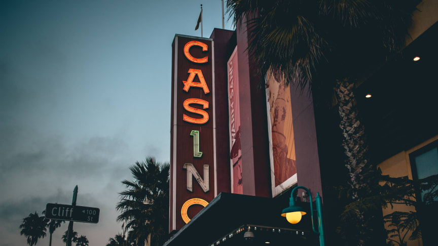 De tillfälliga restriktionerna för casinospel i Sverige öppnar upp för de utländska alternativen.