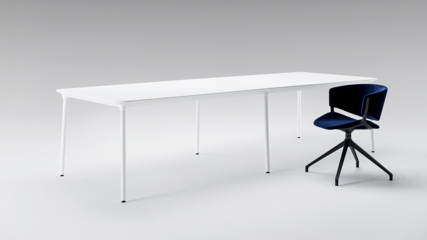 Phoenix table and chair