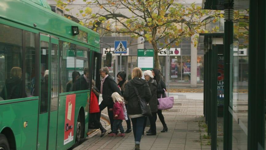 Byt bilen mot kollektivtrafik och bli friskare