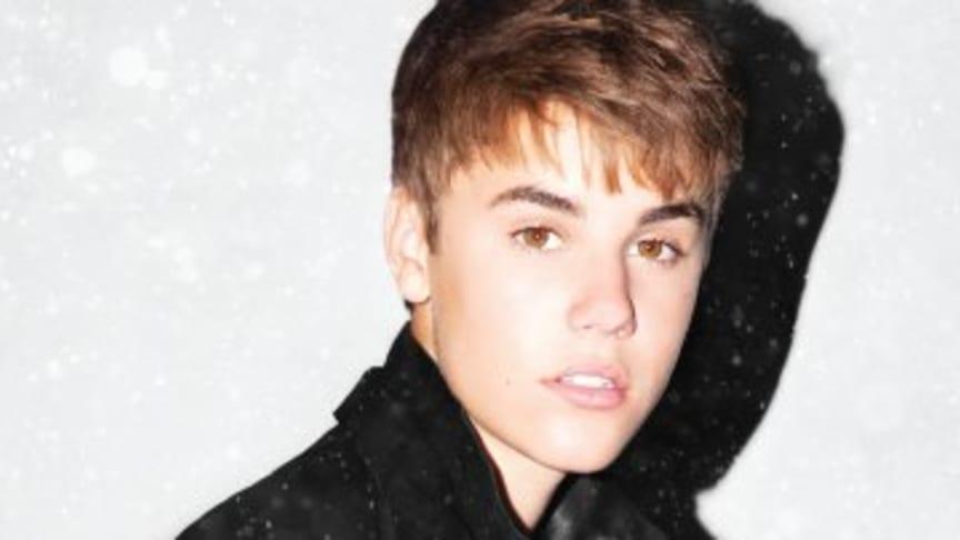"""Justin Bieber släpper julalbumet """"Under the Mistletoe"""" 1 november"""