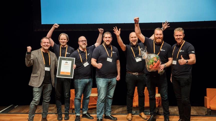 Ett glatt gäng från Öresundskraft tog emot utmärkelsen Årets stadsnät 2017 vid Svenska Stadsnätsföreningens årsmöte i Umeå den 21 mars 2018. Foto: SSNF
