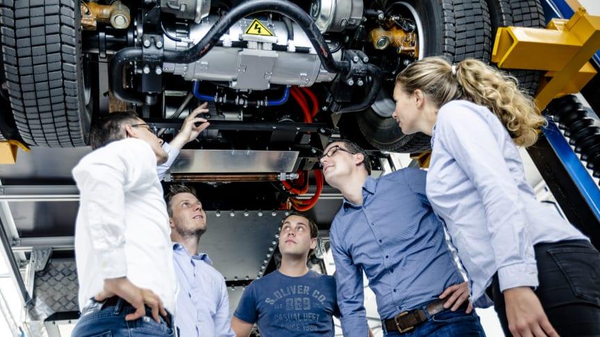 Als führender Partner der Nutzfahrzeughersteller und Speditionen erforscht, entwickelt und produziert BPW innovative Lösungen für den effizienten Transport von A nach B