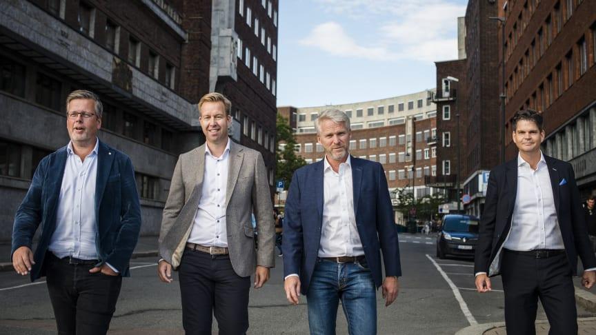 Från vänster: Fredrik Logenius (vd Optidev), Marius Drefvelin (CFO Techstep), Jens Haviken (vd Techstep) och Christian Lundin (Optidev).  Fotograf: Marthe Haarstad.