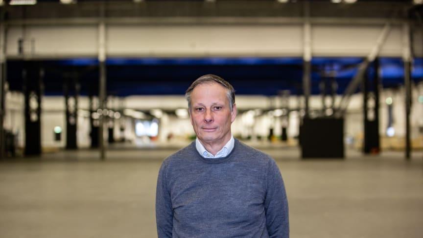"""""""Vi behöver agera och det är vårt ansvar att säkerställa att Stockholmsmässan långsiktigt klarar av den rådande situationen. Målet är att vi kan återgå till normal drift så fort som möjligt"""" säger Stockholmsmässans vd Christian Clemens."""