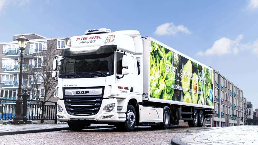 Tillsammans med den nederländska transportören Peter Appel har DAF Trucks börjat fälttesta CF Hybrid-lastbilar med målet att testa lastbilarna – som är fullständigt elektriska och har nollutsläpp i stadsområden – på vägen.