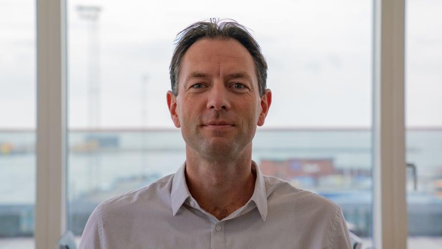 'Vi arbejder i et kendt rederi, vi redder menneskeliv. Det giver mening at gå på arbejde', siger Martin Ørbæk Nielsen, Senior Strategic Procurement Manager i ESVAGT.