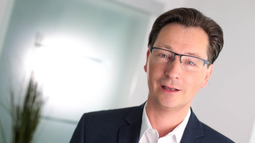 Sven-David Müller ist Autor des Ernährungsratgebers Rheuma