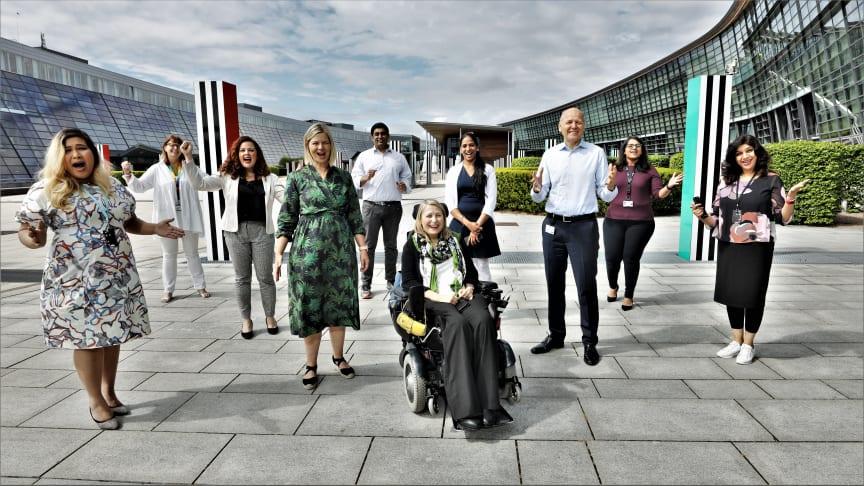 Kunnskaps- og integreringsminister Guri Melby besøkte Telenor Open Mind 1. juli i år: - Vi trenger flere som tar mangfold og integrering på alvor, oppfordret statsråden. Foto: Stian Kristoffer Sande