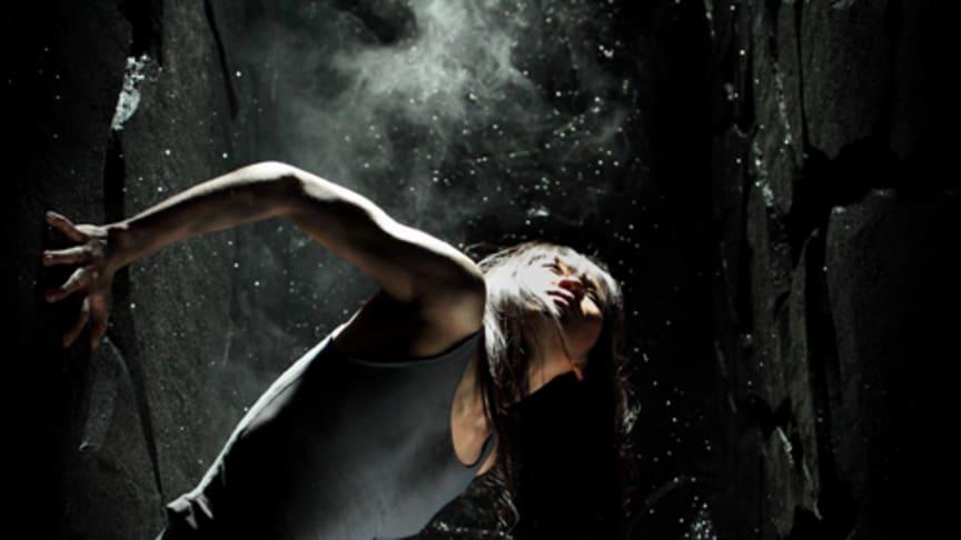 Välkommen på pressträff inför höstens stora dansföreställning UNEARTH med Skånes Dansteater, tisdagen den 9 oktober kl. 14.00 på Malmö Opera