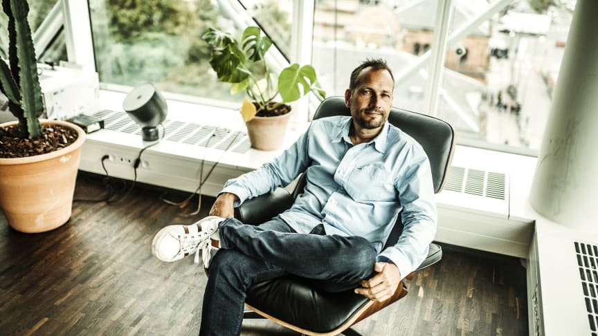Fra i dag kan de første Dinero-brugere få en erhvervskonto hos Nykredit for kun 1.000 kroner i oprettelsesgebyr. Herefter koster erhvervskontoen et årligt gebyr, der svarer til 99 kroner per måned.