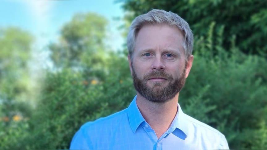 -Vi ser en klar fordel med å jobbe sammen med Schneider Electric og inngå i deres partnerprogram, sier Tron Olav Johannessen i EAS.