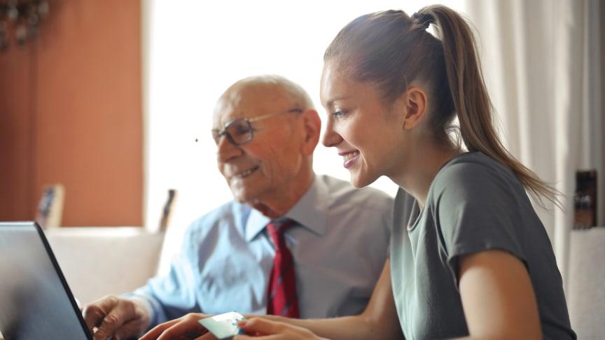 En del av dina kunder gillar att ringa, andra väljer att mejla och många vill chatta. Med chatten i Telavox Widget blir du enklare att nå snabbt!