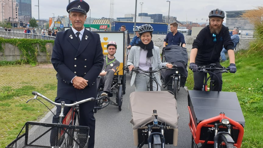 Carlos Jacobsen, Lan Marie Nguyen Berg og Cato Børresen ledet lastesykkelparaden i Oslo lørdag. Rett bak i paraden kom elvaresyklene fra Elskede by.