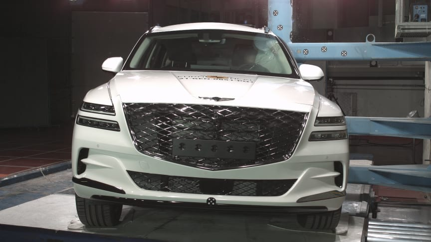 The Genesis GV80 showed strong performance in Euro NCAP's side pole test