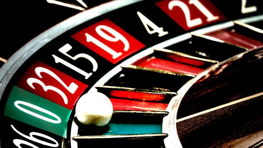 Är svensk psykiatri en plats för roulette ?!? En plats där man ska ha tur ? Är det så vi känner oss trygga i vår vård ? Foto: © [lotus_studio] / Adobe Stock