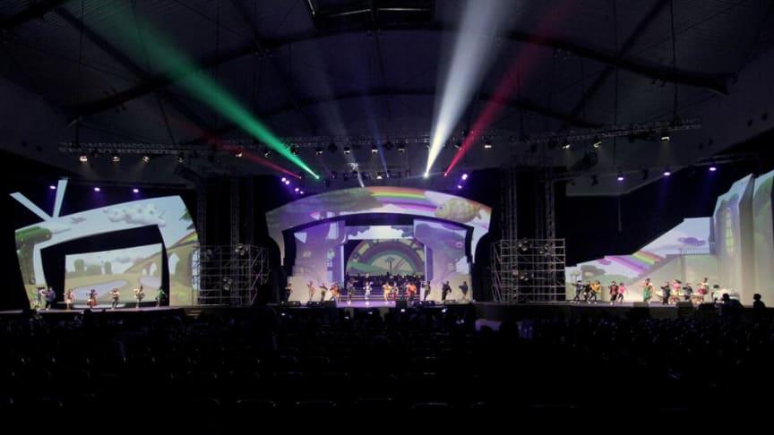 Proyeksi Proyektor Laser Epson pada Konser Dongeng 3 Naura