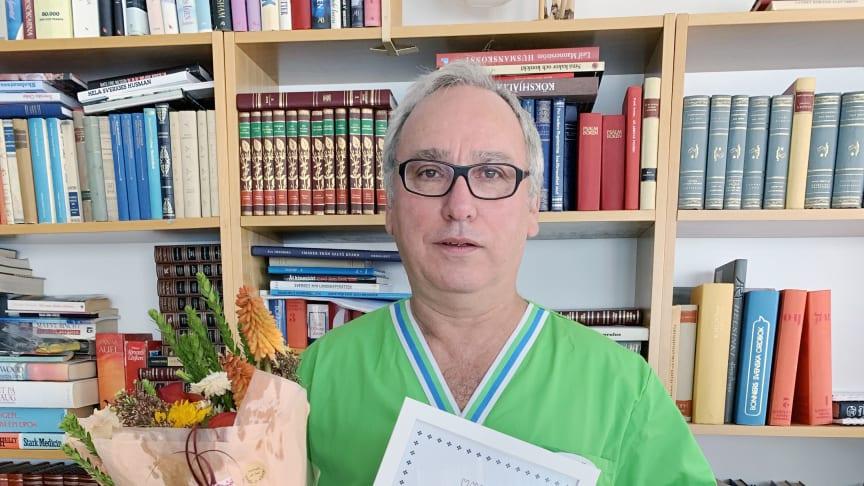 Eldsjälen Edwin fick Äldreforums förtjänstdiplom
