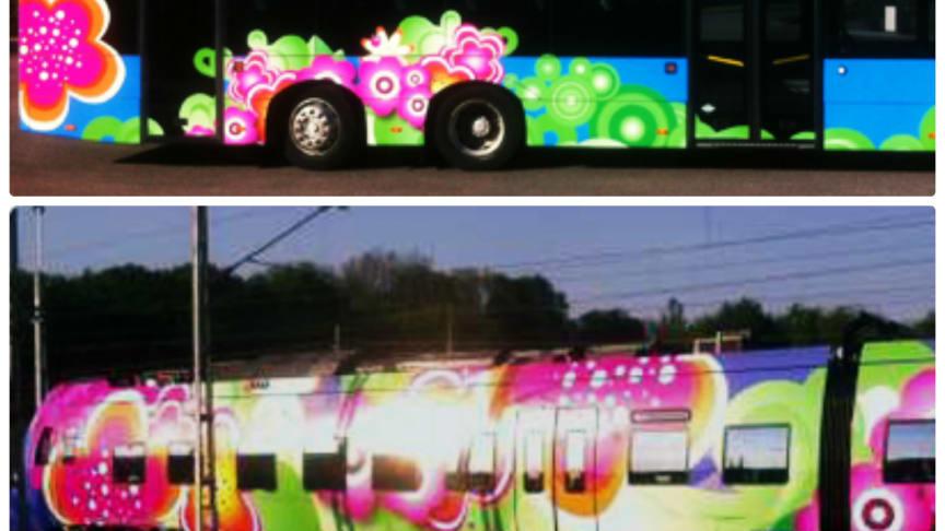 Systemtext folierar blommiga bussar och tåg till Skånetrafikens Jojo Sommar-kampanj 2014