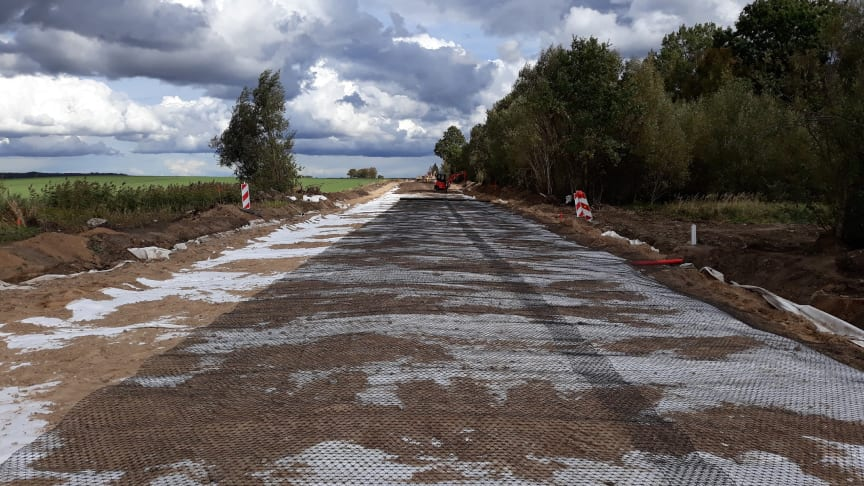 Tensar TriAx geogrids were incorporated into the new road's subbase and crushed dolomite surface to provide support to the very heavy military traffic using the road.