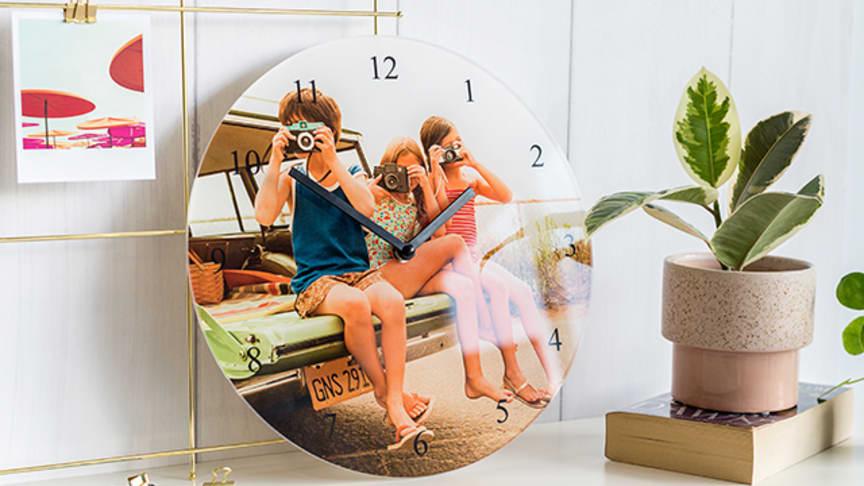 Sätt din favoritbild på urtavlan till din väggklocka!