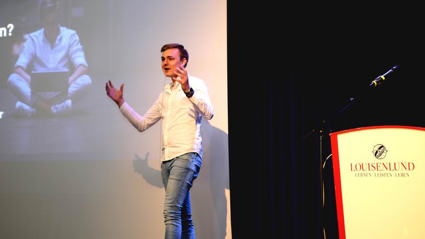 Der Jungunternehmer Andrè Braun inspirierte in seinem Vortrag das Louisenlunder Kollegium
