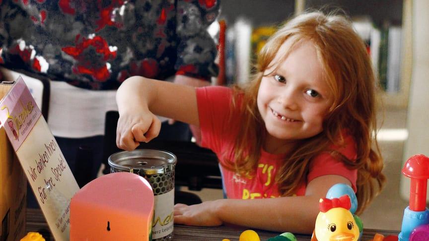 """Bundesweiter Tag der Kinderhospizarbeit: Bärenherz veranstaltet Benefiz-Flohmarkt im Kinderhospiz und prämiert die besten Zeichnungen aus dem Malwettbewerb """"Wir suchen den schönsten Bären mit Herz"""""""