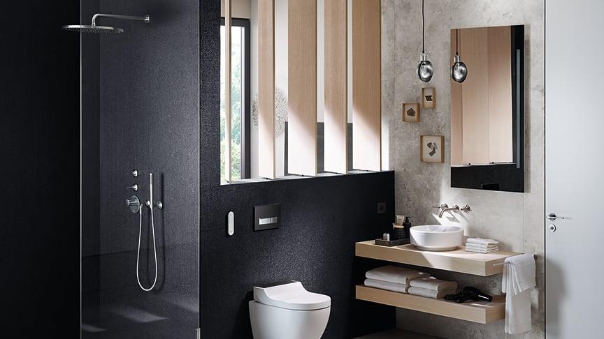 Allt fler svenskar vill ha beröringsfria produkter och duschtoalett i hemmet. Geberit AquaClean är en duschtoalett med tidlös design och innovativa funktioner. Foto: Geberit