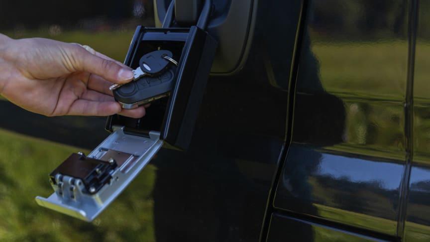 Nøkkelboksen kan romme 14 plastkort eller 20 nøkler.