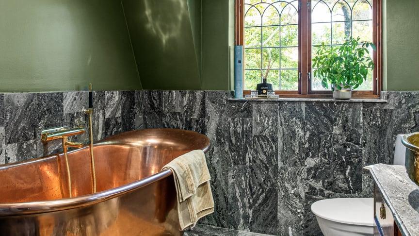 Så målar du om i badrummet steg för steg.