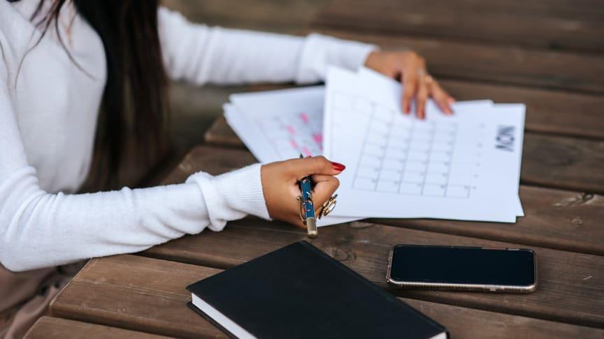 Hantera scheman och arbetspass i Microsoft Shifts