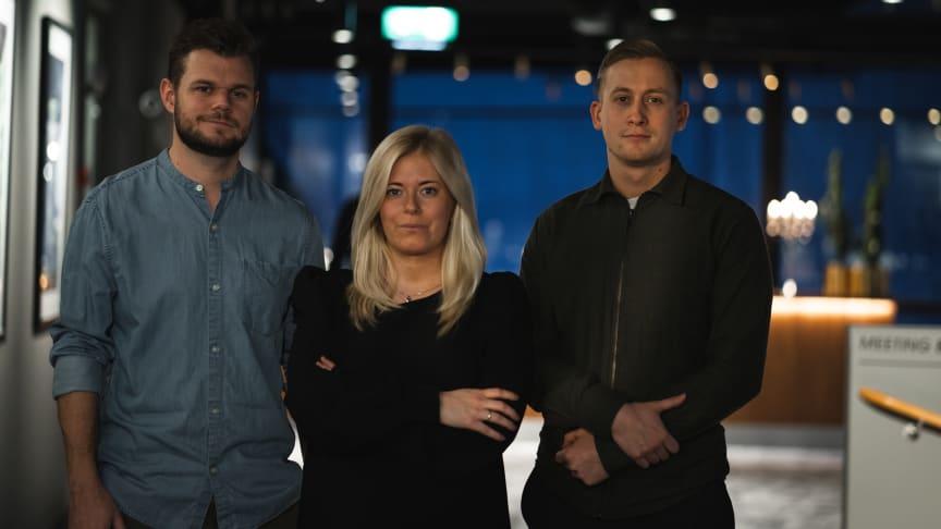 Fr.v. Fredrik Kyhlstedt, Senior Strategist & SEO Lead, Therese Hamberg, Senior Digital Specialist, och Adam Hendele, Digital Specialist.
