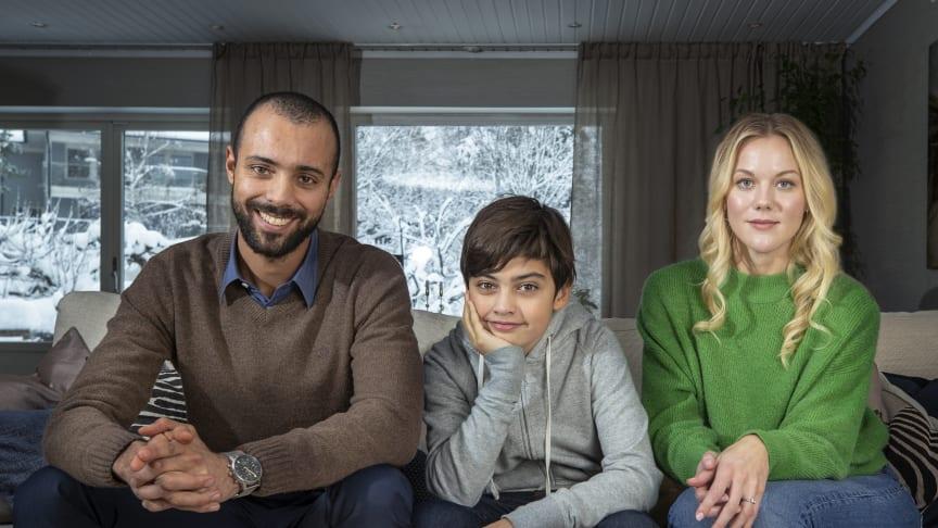 I nya tv-serien Limboland får vi genom alla familjemedlemmars perspektiv en inblick i hur en person som lever med NPF kan känna och uppleva sin omgivning. Foto: Haben Solomon/UR