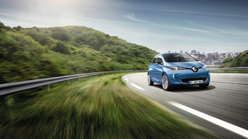 Renault Zoe kommer nu med en rækkevidde på over 400 kilometer. Og som noget nyt i Danmark kan man nu købe batteriet