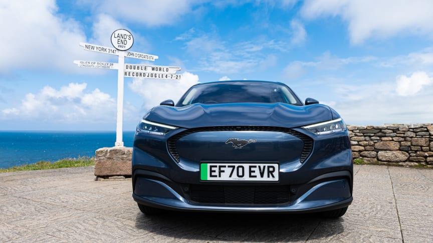 Již v červenci vytvořil Mustang Mach-E na stejné trase jiný rekord, když dosáhl spotřeby energie 9,5 kWh/100 km.