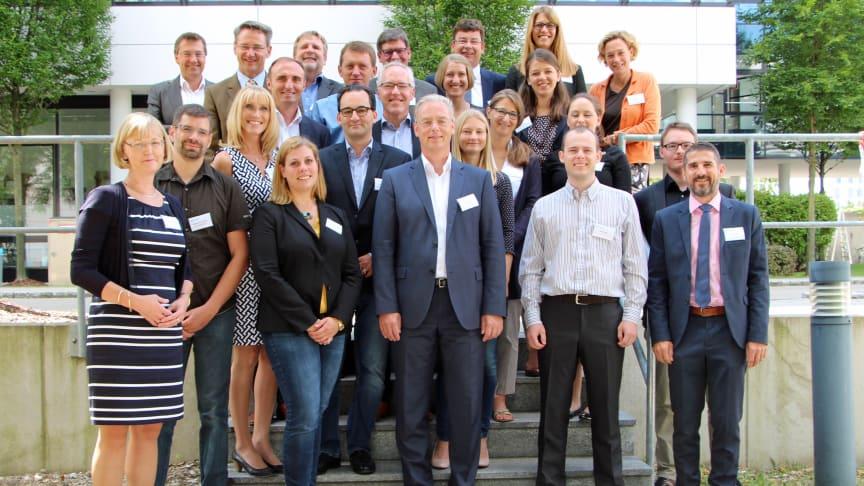 Auftakt des neuen kommunalen Energieeffizienznetzwerks Südbayern am 13. Juli in München. Die acht Netzwerkteilnehmer kommen aus den Landkreisen Aichach-Friedberg, München, Dachau und Neuburg-Schrobenhausen.