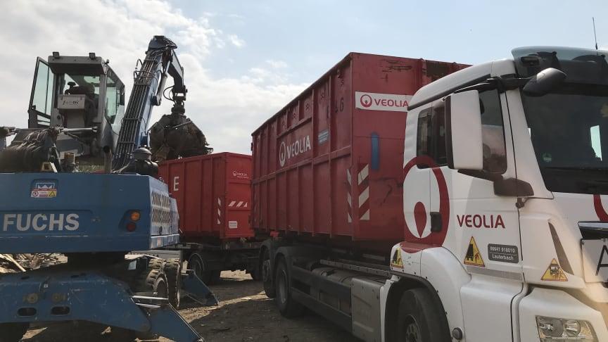 Veolia unterstützt die Aufräumarbeiten nach der Flutkatastrophe vor Ort in Ahrweiler