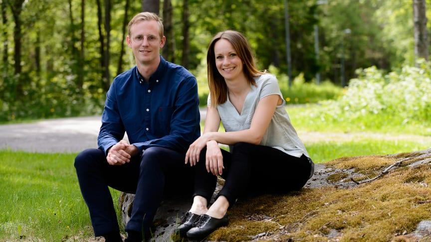 Att Aron Kristoffersson och Frida Nilsson redan gjort en mycket framgångsrik bolagsresa med Aleva ger dem fördelar i startupbolaget, men tid är en bristvara. Därför söker de nu en partner att bygga Samarit med.