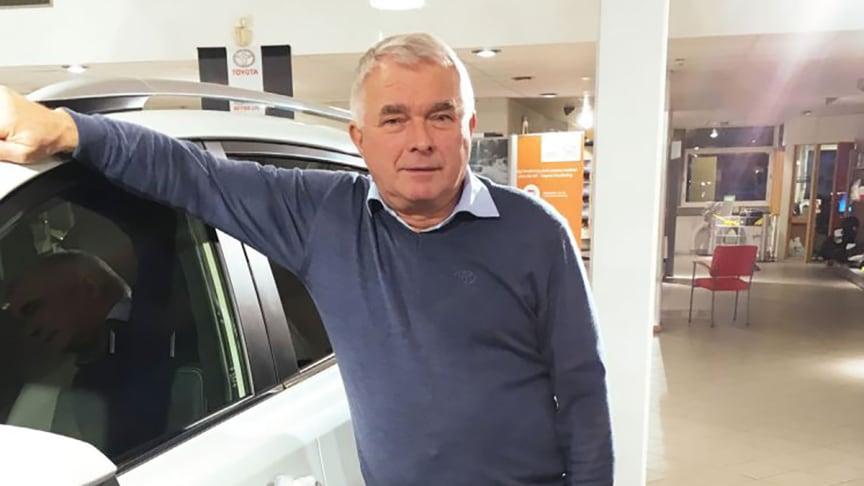 Enorm innsats: Arne Mellem hos Toyota i Svolvær.