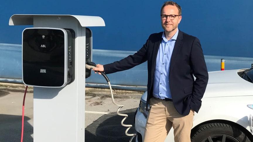 – Grön el är viktigt för oss, ja en självklarhet för vår strävan att göra ett så litet klimatavtryck som möjligt, säger Jacob Hafström, Polykemis inköpschef.