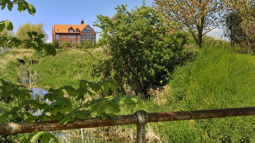 Det gamla sockerbruksområdet i Hököpinge fortsätter att växa och får nu två hus med hyreslägenheter.