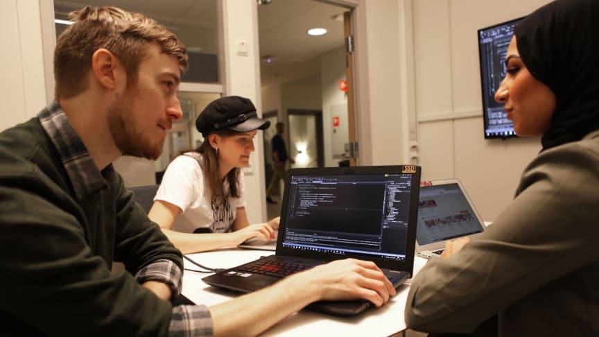 Lärare vässas i programmering genom Högskolan Väst