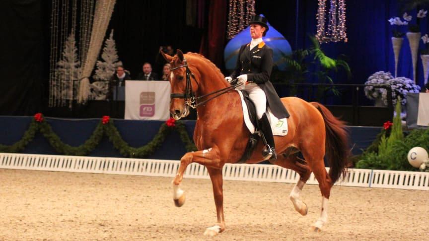 Medaljglans över invigningen av vinterns hästfest