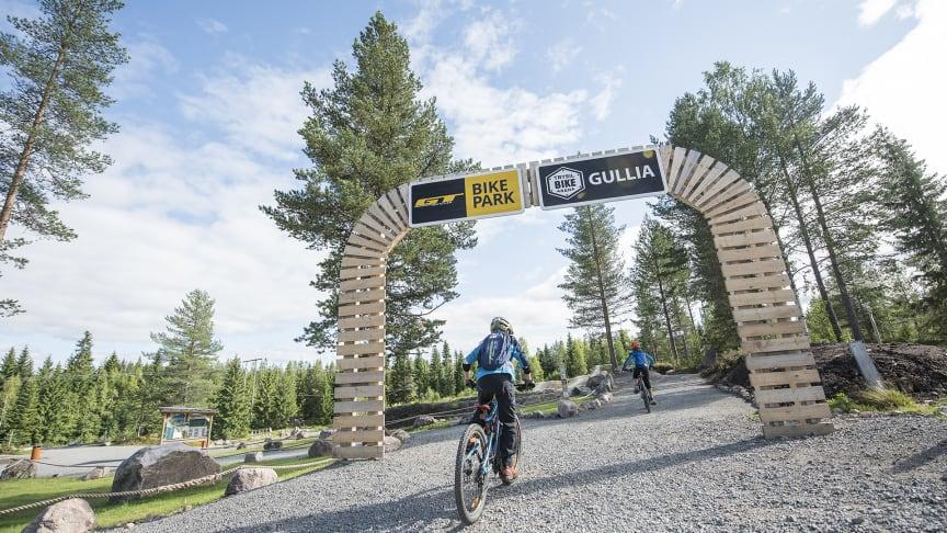 Inngangsportalen til sykkelstiene i Trysil. Foto: Vegard Breie