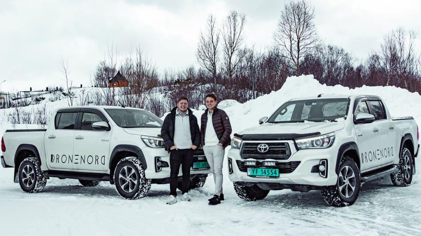 Bodø: Benjamin Strøm (t.v) og Espen Pedersen (t.h) går sammen med Nordvik Gruppen for å etablere aksjeselskap. Foto: Drone Nord AS.