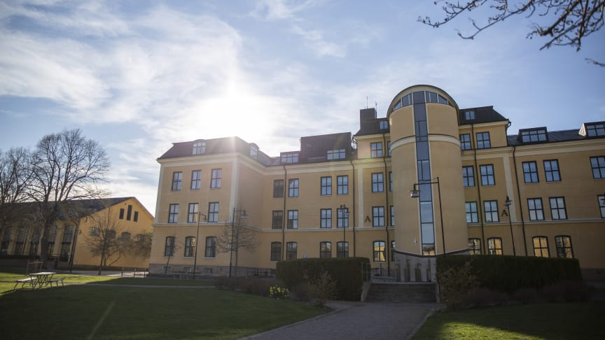 Antalet sökande till Högskolan i Skövdes programutbildningar ökar. Inför höstterminen 2021 har cirka 2500 personer sökt en programutbildning på Högskolan i först hand.