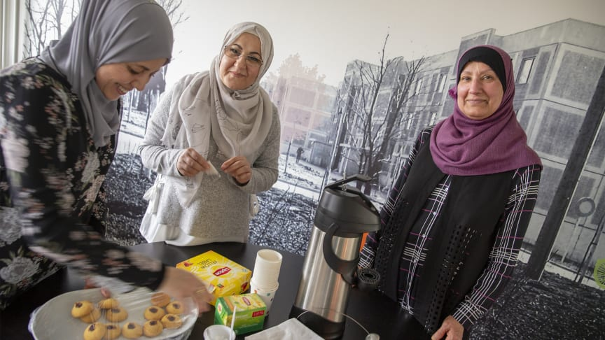 Här i köket på Närlunda lagade stadsdelsmammorna nyligen mat till ett evenemang med 400 inbjudna.